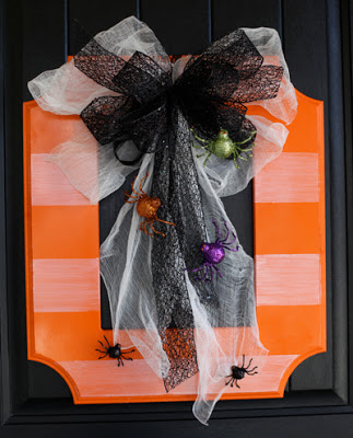 Halloween Wreath with Poppyseed Projects!
