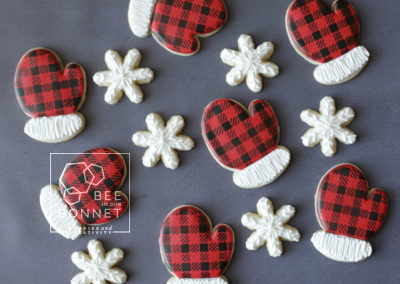 Bee In Our Bonnet Winter Mittens Cookies